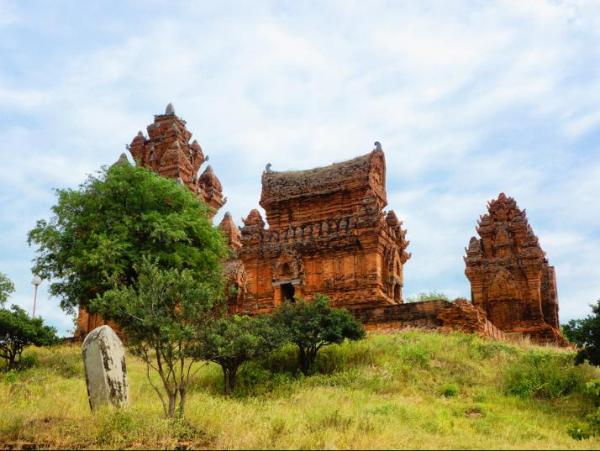 Du-lich-Viet-Thien-Phu-poklonggiarai